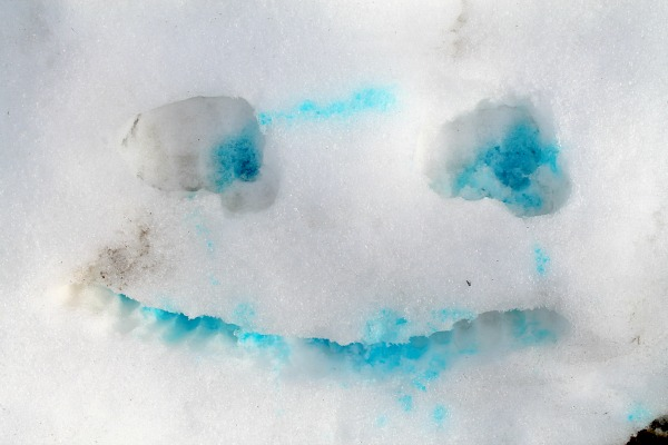 snow face with food coloring
